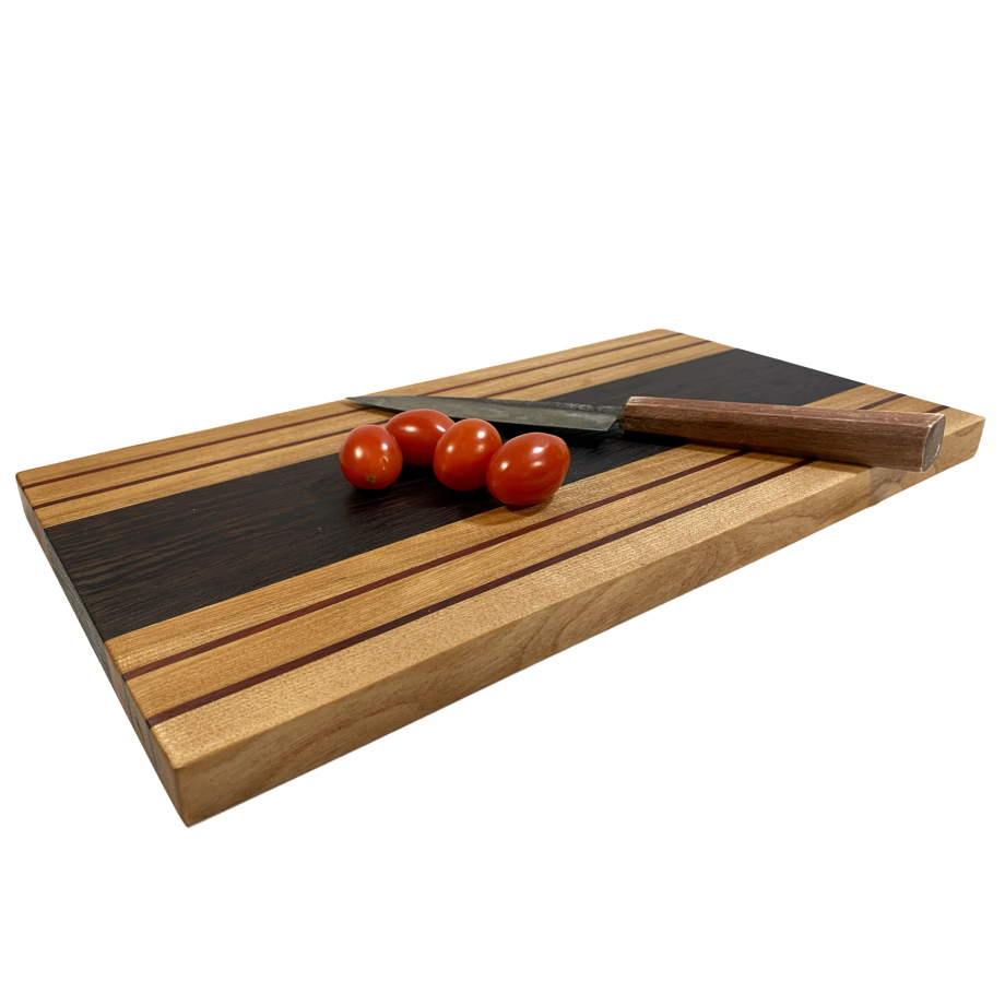 https://ravenview.com/wp-content/uploads/2021/03/Cutting-Board-2-3.png